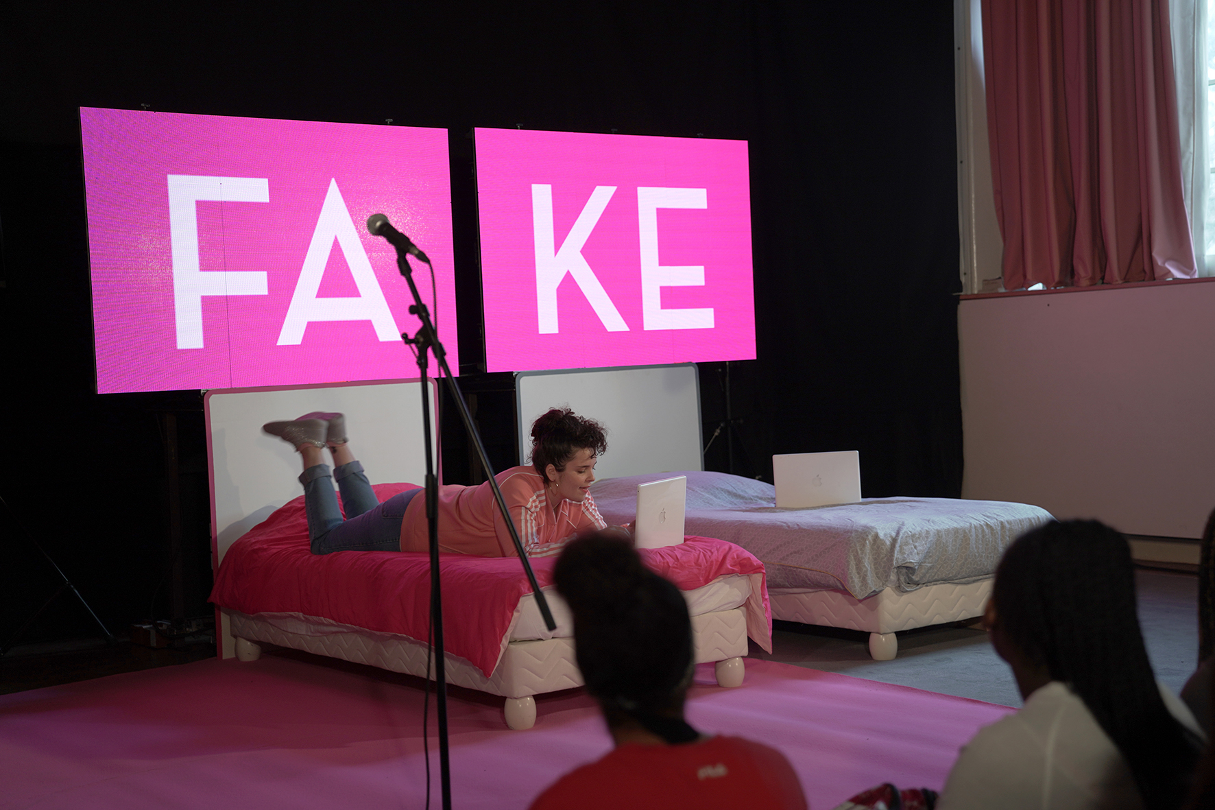 Fake de Claudine Galea